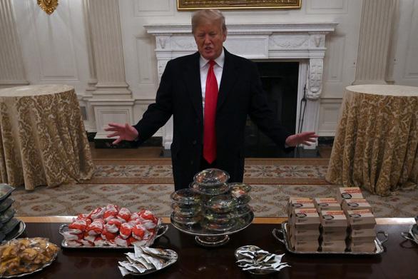 Tổng thống Trump tăng cân, hơi béo phì nhưng vẫn khỏe mạnh - Ảnh 1.