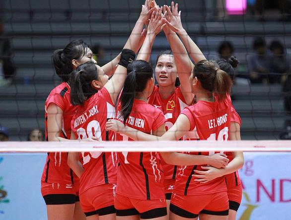Đội tuyển bóng chuyền nam có chuyên gia Trung Quốc, tuyển nữ tìm chuyên gia Cuba - Ảnh 1.
