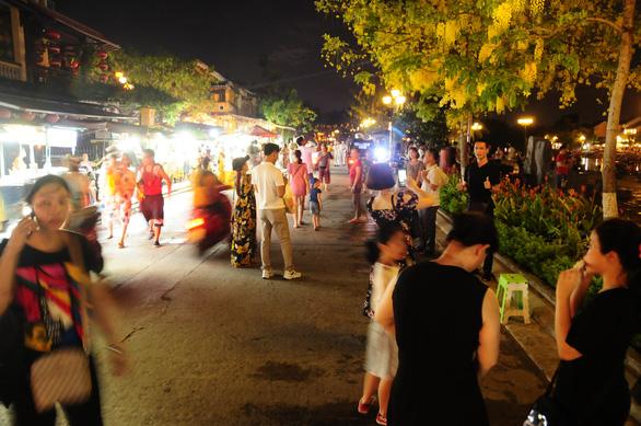 Khách Việt là điểm tựa duy nhất để ngành du lịch sống sót qua dịch - Ảnh 3.