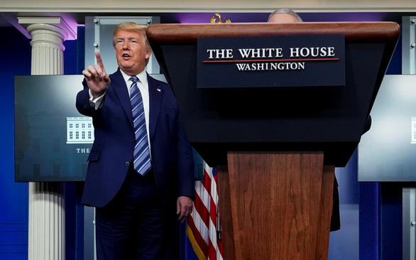 Ông Trump lên mạng khoe tin sốc thời COVID-19: Tỉ lệ thất nghiệp giảm bất ngờ!  - Ảnh 1.
