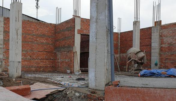 Nam công nhân chết tại công trường xây dựng vì điện giật - Ảnh 1.