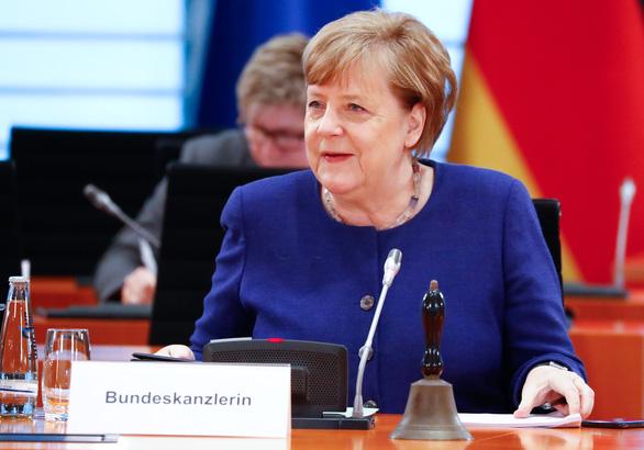 Bà Merkel tuyên bố không tranh cử nhiệm kỳ 5 - Ảnh 1.