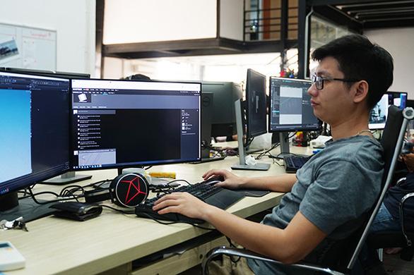 Họa sĩ ĐH Duy Tân với giải nhất Fox's Got Talent - Ảnh 2.