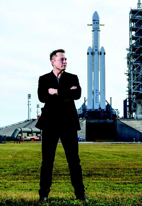 Elon Musk: Gã cuồng và 18 năm hướng về vũ trụ - Ảnh 1.