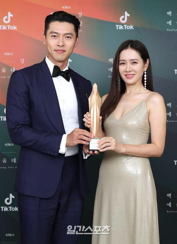 Ký sinh trùng và Khi hoa trà nở thắng đậm giải phim Baeksang Hàn Quốc - Ảnh 9.
