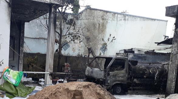 Cháy xe bồn chở xăng, 1 người chết, 2 người bị thương - Ảnh 3.
