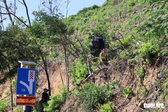 Huy động nhiều trinh sát kinh nghiệm vây bắt phạm nhân vượt ngục trên đèo Hải Vân - Ảnh 10.
