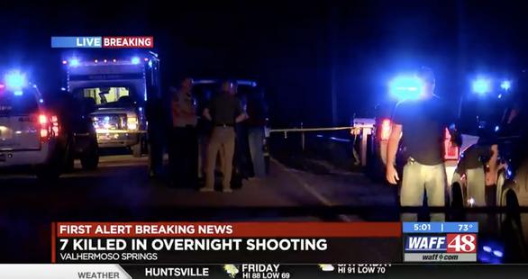 7 người nghi bị bắn chết giữa đêm trong ngôi nhà bốc cháy ở Mỹ - Ảnh 1.