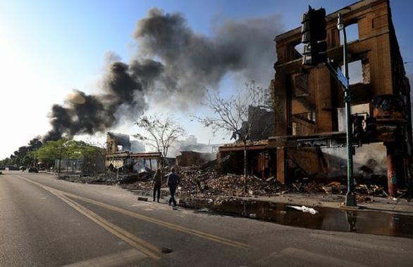 Thành phố Minneapolis thiệt hại ít nhất 55 triệu USD vì bị đập phá và hôi của - Ảnh 2.