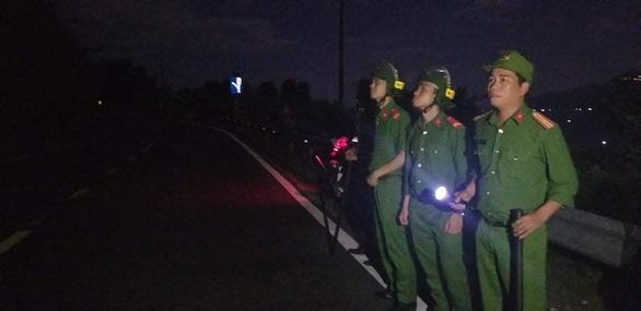 Nhận định Triệu Quân Sự rời núi Hải Vân, công an rút một phần lực lượng tìm kiếm - Ảnh 3.