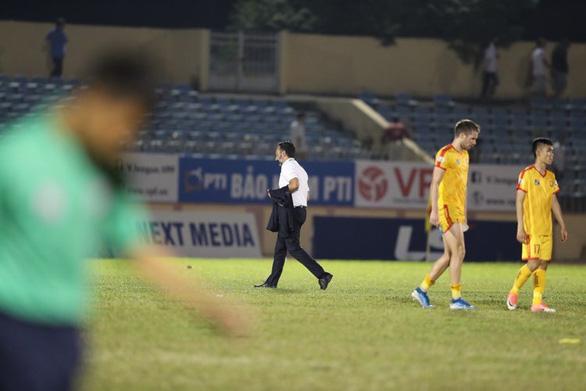 Ngoại binh Kebe tỏa sáng giúp Quảng Nam giành 3 điểm đầu tiên - Ảnh 3.