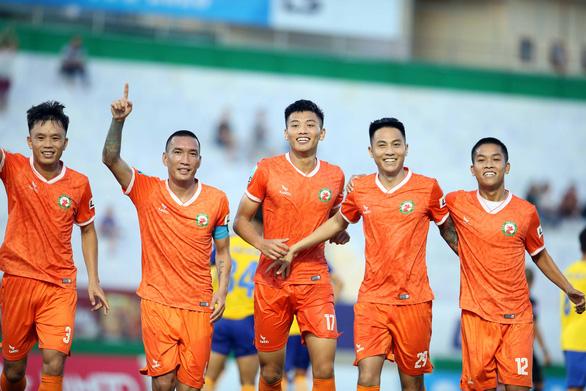 Bình Định vùi dập Đắk Lắk 4-0 trong ngày khai mạc Giải hạng nhất 2020 - Ảnh 1.