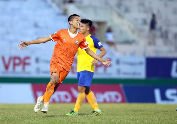Quang Hải có đối thủ đáng gờm ở Giải hạng nhất - Ảnh 2.