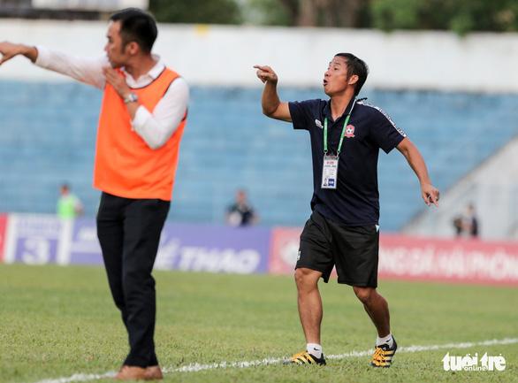 Cầu thủ Hải Phòng học sao bóng đá thế giới cách cản đá phạt - Ảnh 4.