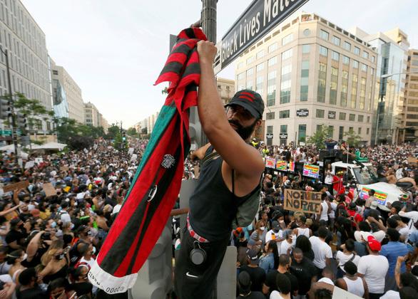 Nhận diện phần tử bạo động trong biểu tình tại Mỹ - Ảnh 1.
