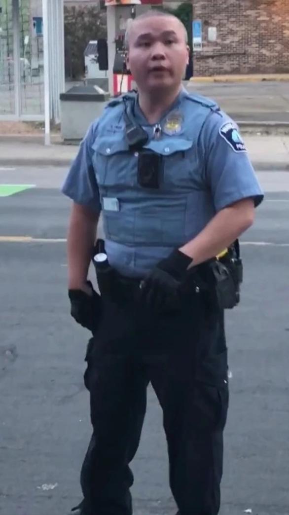 Cảnh sát từng đánh người sẽ có xu hướng ngựa quen đường cũ - Ảnh 2.