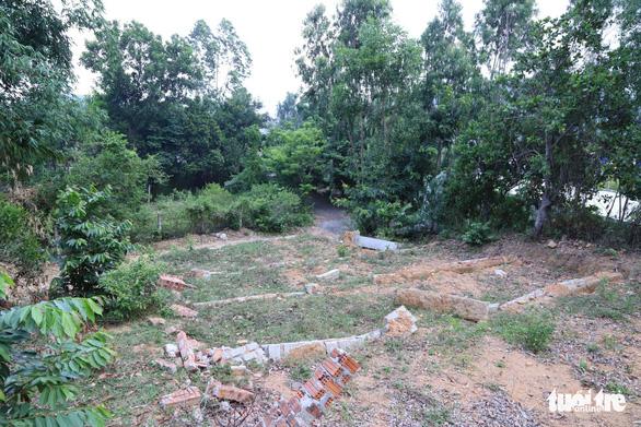 Đà Nẵng: Lập gác chắn, tuần tra ngăn xẻ đất rừng làm nghĩa trang trái phép - Ảnh 2.