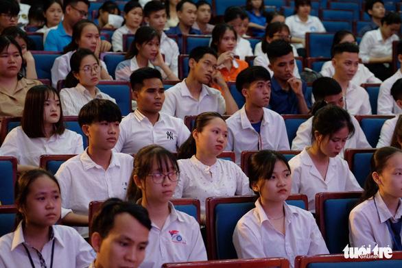 Không để học sinh, sinh viên đơn độc trong hành trình đến trường - Ảnh 3.