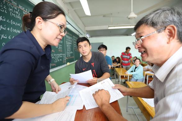Tuyển sinh lớp 10 tại TP.HCM: Căn cứ nào để chọn trường? - Ảnh 1.
