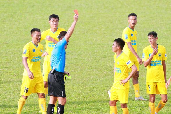Thủ môn của Tây Ninh tặng An Giang 3 điểm - Ảnh 2.