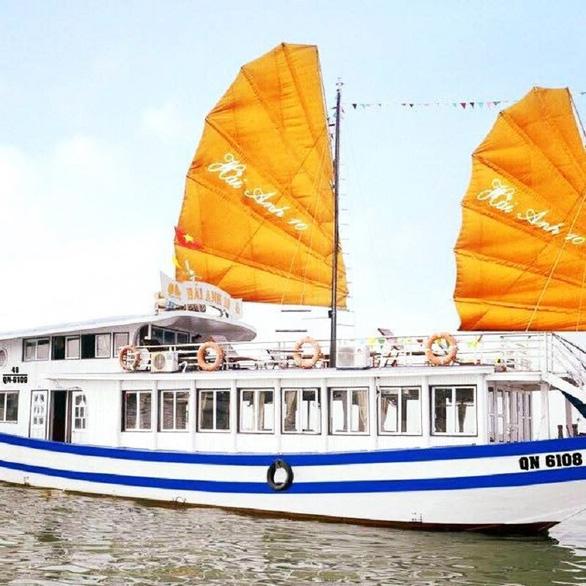 Hạ Long đình chỉ 3 tháng tàu du lịch ăn bớt thời gian của khách - Ảnh 1.