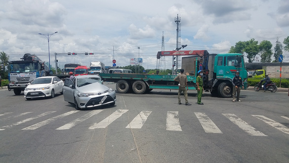 Tai nạn liên hoàn 7 xe ở quận Bình Tân, nhiều người bị thương - Ảnh 2.