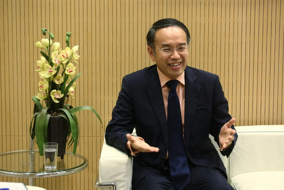 Tái khởi động kinh tế, Hong Kong nới lỏng kiểm dịch cho lãnh đạo 480 công ty lớn - Ảnh 1.