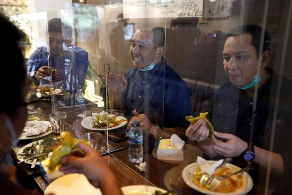 Indonesia trông ra sao khi dỡ bỏ phong tỏa từ ngày 8-6? - Ảnh 2.