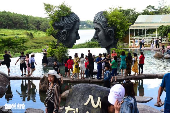 Du lịch Việt Nam rốt ráo tính phương án đón khách quốc tế - Ảnh 1.