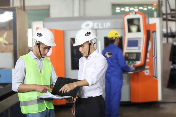 Nhà máy Elipsport chi 10 triệu USD tập trung sản xuất - Ảnh 1.