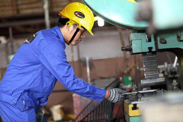 Nhà máy Elipsport chi 10 triệu USD tập trung sản xuất - Ảnh 3.