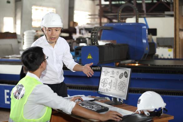 Nhà máy Elipsport chi 10 triệu USD tập trung sản xuất - Ảnh 4.