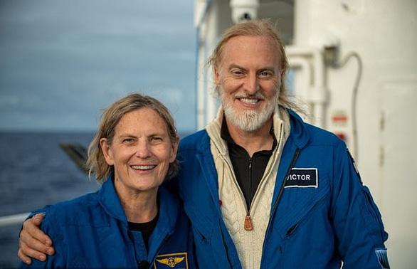 Nhà thám hiểm nữ xuống nơi sâu nhất vỏ Trái đất rồi kết nối ISS - Ảnh 2.