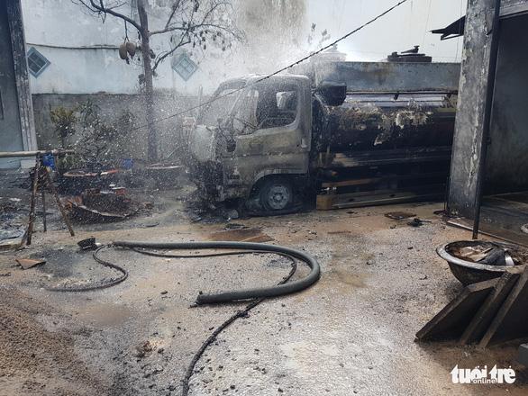 Chủ cây xăng qua đời do bỏng quá nặng trong vụ xe bồn chở xăng bốc cháy - Ảnh 1.