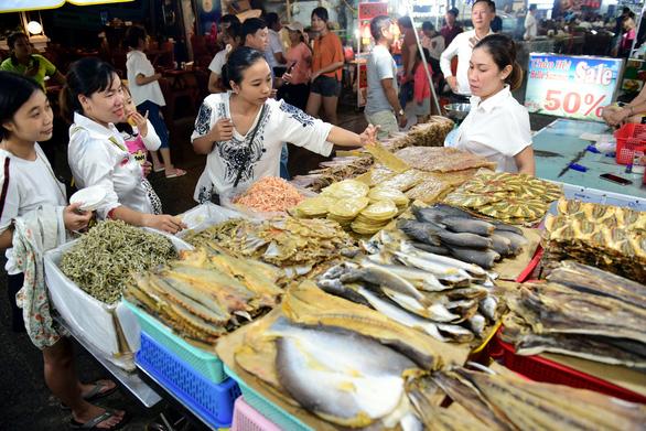 Dân Phú Quốc mong sớm từ huyện lên thành phố - Ảnh 1.
