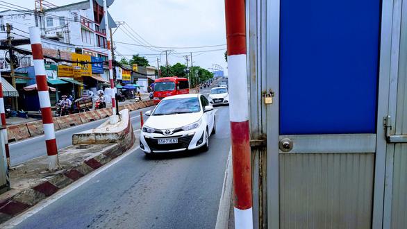 Để 4 năm không thu phí gây trở ngại giao thông, trạm BOT cầu Bình Triệu sắp được tháo dỡ - Ảnh 3.