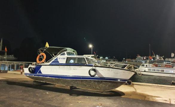 Một người tắm biển chết sau va chạm với xuồng cao tốc của cảnh sát đường thủy - Ảnh 2.