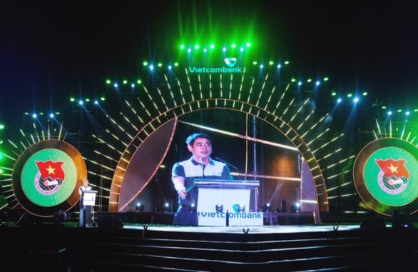 Hơn 700 thanh niên dự hội trại Tuổi trẻ Vietcombank - Sắt son niềm tin với Đảng - Ảnh 2.