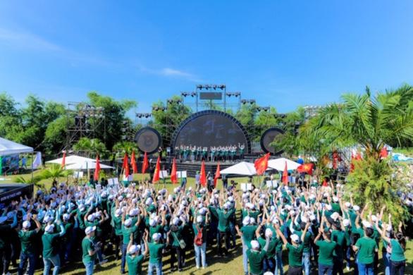 Hơn 700 thanh niên dự hội trại Tuổi trẻ Vietcombank - Sắt son niềm tin với Đảng - Ảnh 1.