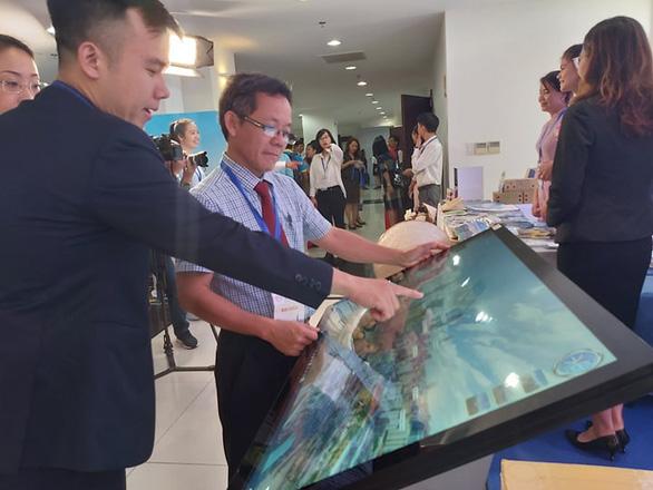 Khách quốc tế vào Việt Nam giảm mạnh, chỉ tăng được khách Campuchia - Ảnh 1.