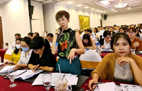 3.000 người nước ngoài được cấp phép vào TP.HCM làm việc - Ảnh 1.