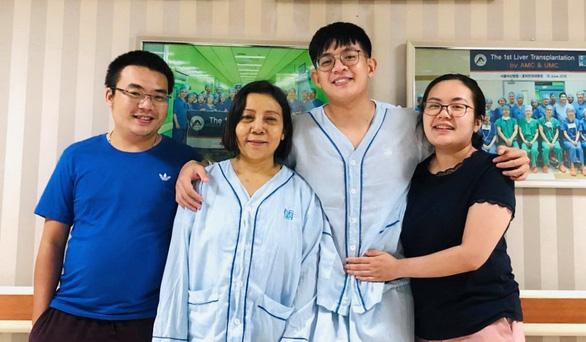 Con hiến gan cứu mẹ, cô giáo hiến gan cứu người dưng mùa COVID-19 - Ảnh 1.
