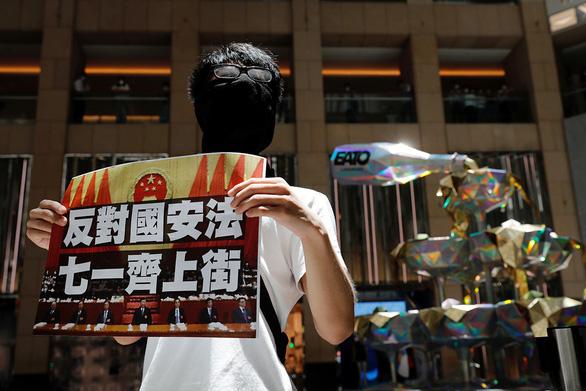 Mở đầu và kết thúc ở Hong Kong - Ảnh 1.