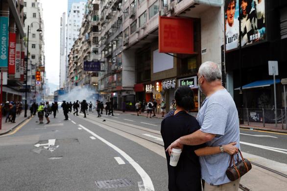 Bắc Kinh dùng luật an ninh để giữ Hong Kong trong tâm phục khẩu phục? - Ảnh 3.
