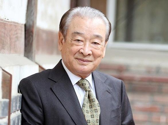 Ông nội quốc dân Lee Song Jae bị tố bóc lột nhân viên, sự nghiệp 60 năm bên bờ vực - Ảnh 1.