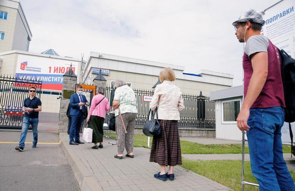 Bỏ phiếu sửa đổi Hiến pháp Nga, tìm tính chính danh - Ảnh 5.