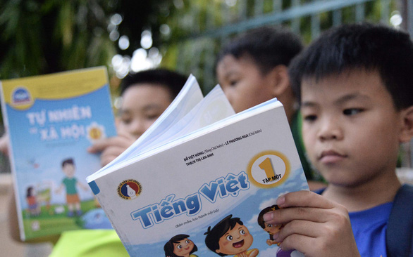 Sẽ báo cáo Quốc hội bổ sung sách giáo khoa vào danh mục Nhà nước định giá - Ảnh 1.