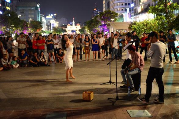 Từ tháng 7, phố đi bộ Nguyễn Huệ có biểu diễn nghệ thuật đường phố - Ảnh 1.