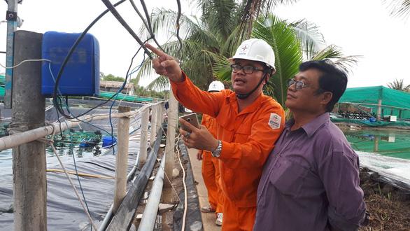 Miền Nam cảnh báo an toàn điện mùa mưa bão - Ảnh 2.