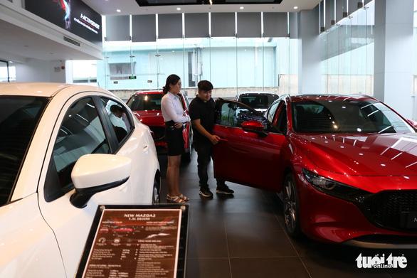 Hơn 24.000 xe được tiêu thụ, ôtô tiếp tục giảm giá - Ảnh 1.